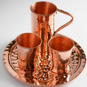 Χάλκινος δίσκος με κανάτα και ποτήρια σφυρήλατα για νερό διαμέτρου 30 cm