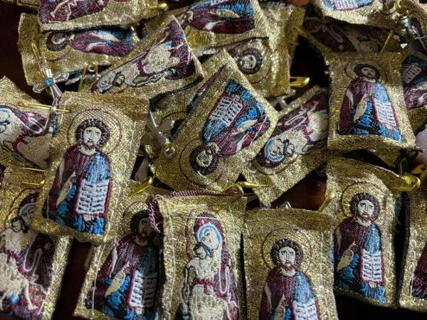 Φυλαχτά με τον Χριστό ή την Παναγία ή Αγίους